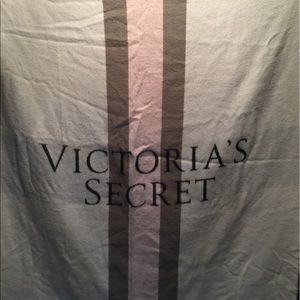 Victoria's Secret Bedding - Victoria Secret throw